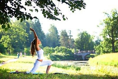 Leichtes Essen ist gut für Yoga