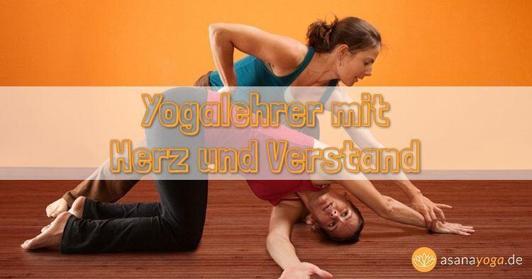 Yogalehrer mit Herz und Verstand