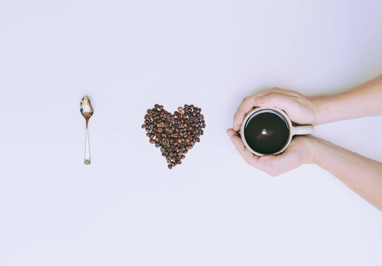 Kaffee und Yoga Love