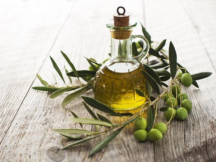Ayurveda Öl mit Olivenzweig