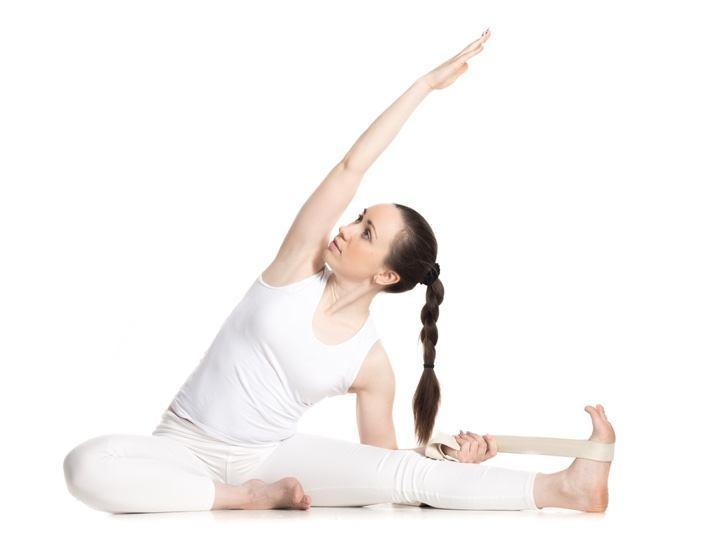 Yogagurt mit Kniedehnung