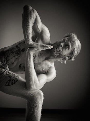 yoga_fuer_maenner_sw