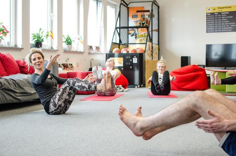 Office Yoga im Liegen