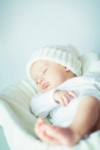 Yoga mit Baby Baby am Schlafen