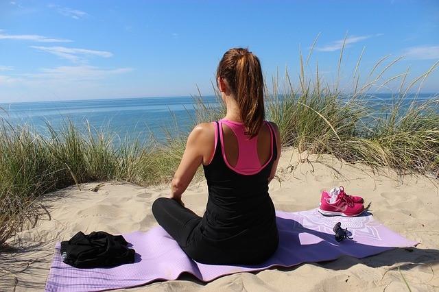 Yoga Ausruestung Kleidung
