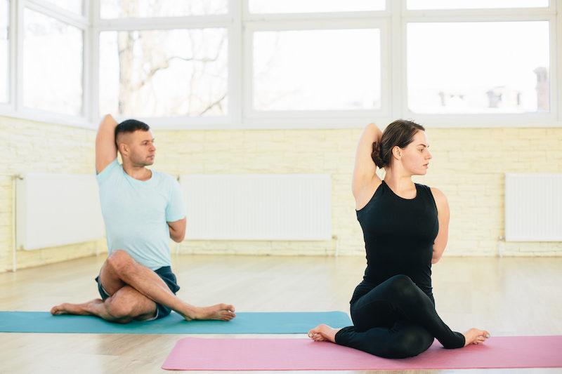 Yoga Uebungen im Sitzen Gokhu