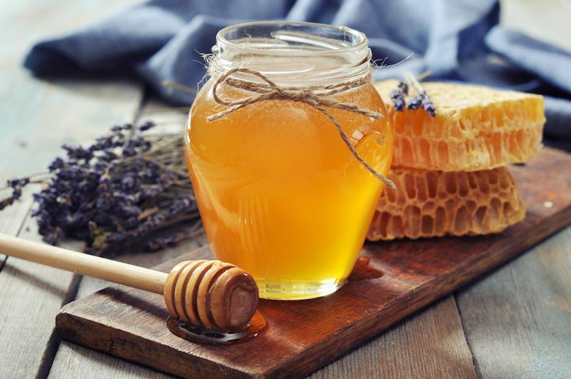 ayurveda-gegen-erkaeltung-honig