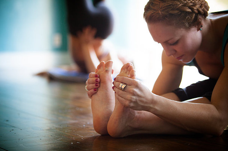 regelmaessige-yoga-praxis-im-studio