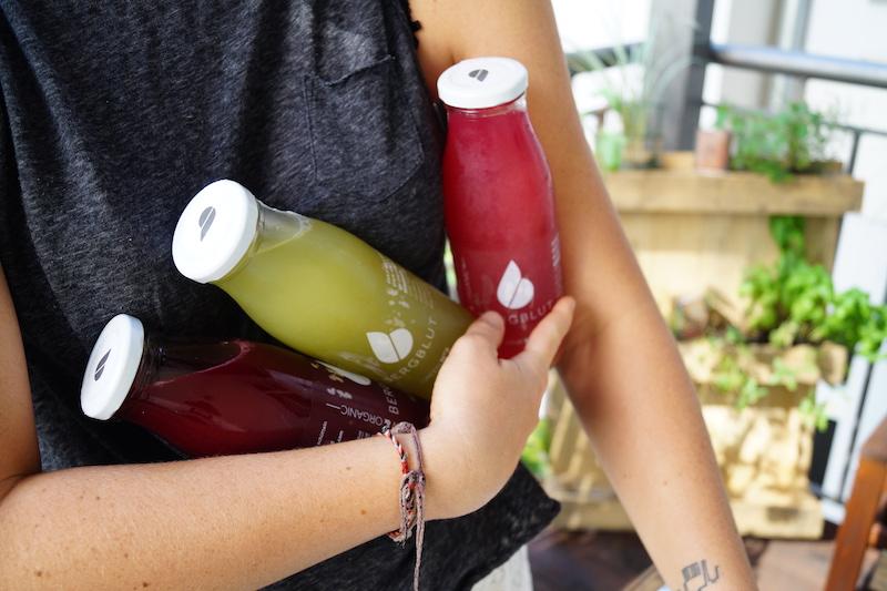 saftfasten-mit-das-bergblut-flaschen