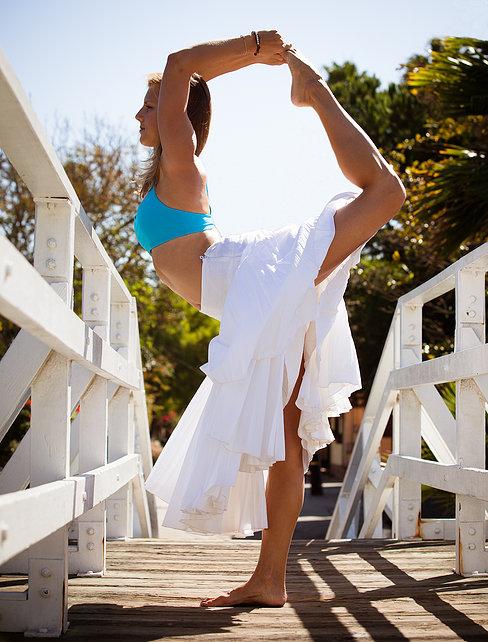 yoga-uebungen-fuer-straffe-beine-taenzer