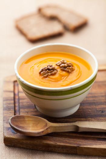 heilmittel-ingwer-ingwer-moehren-suppe