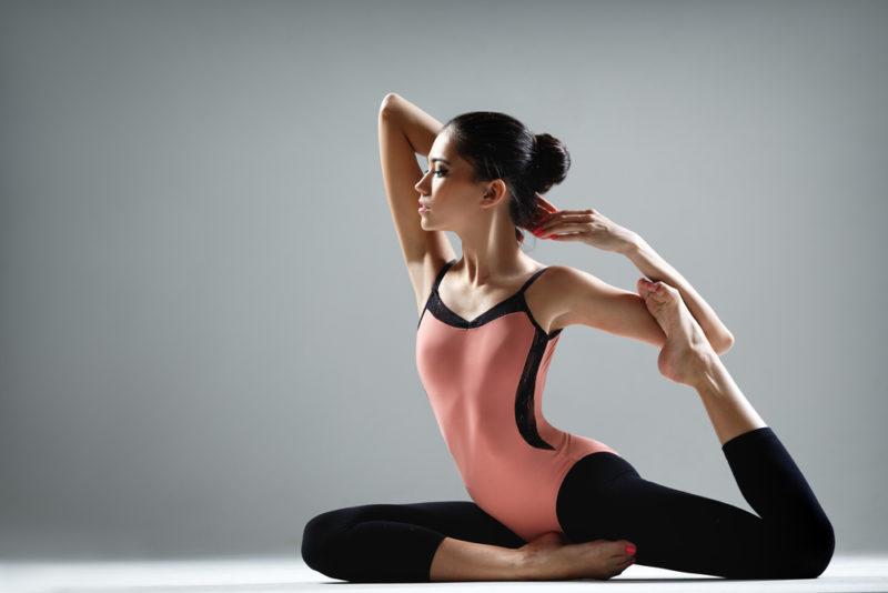 Yoga als Hueftoeffner Bein oben