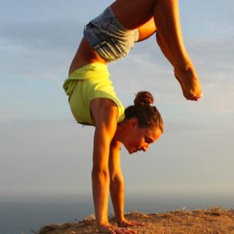 Handstand-Warm-Up-Sonnenuntergang
