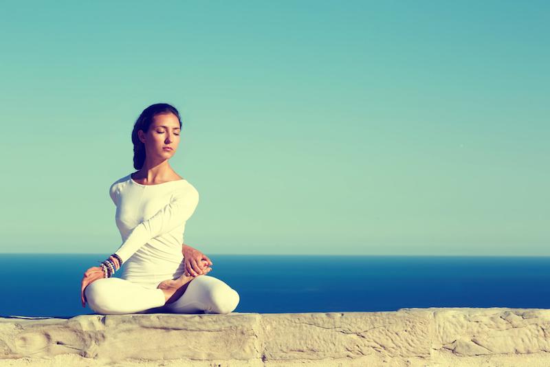Taegliche-Meditation-Frau