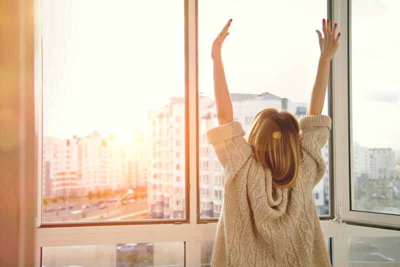 Mehr Yoga machen und sich am Morgen fitter fühlen: So geht's!