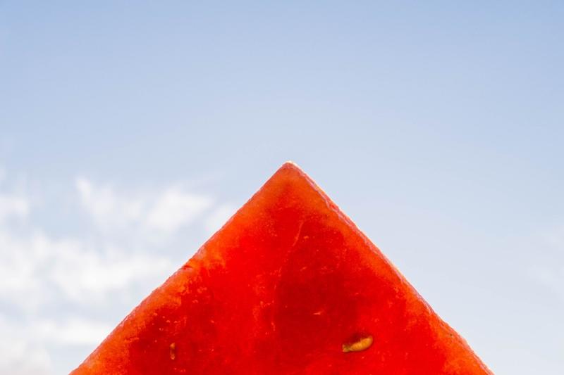 Was macht man eigentlich gegen schwitzen im Sommer? Wie wär's mit einem Wassermelonendrink?