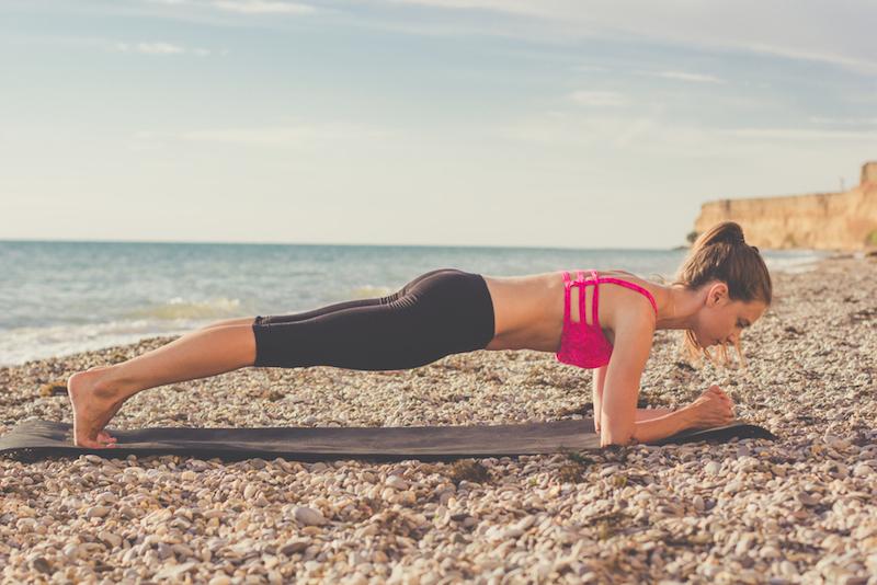 Übungen für den Kopfstand: Plank