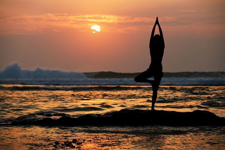 Osteoporose Übungen: Der Baum ist eine wunderbare Übungen für die Knochen.