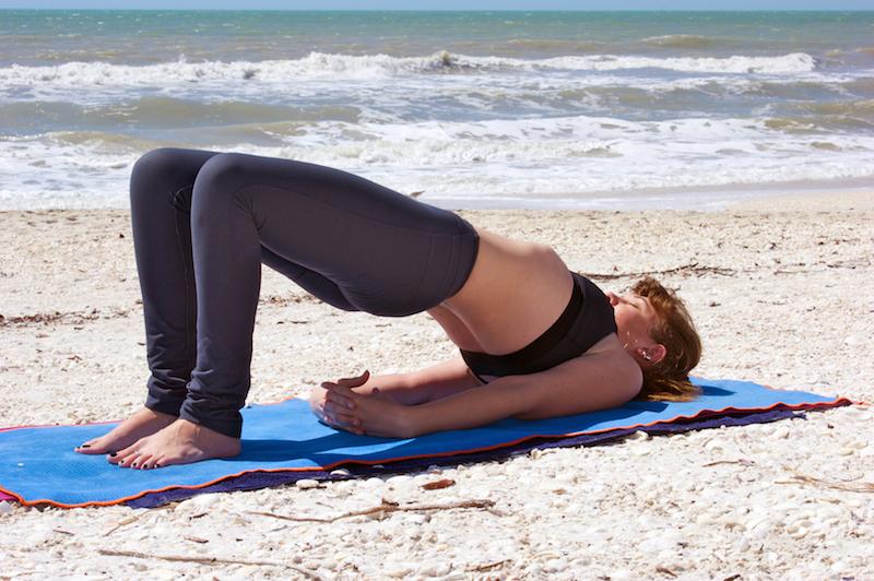 Osteoporose Übungen: Die Brücke ist eine Wohltat für die Wirbelsäule