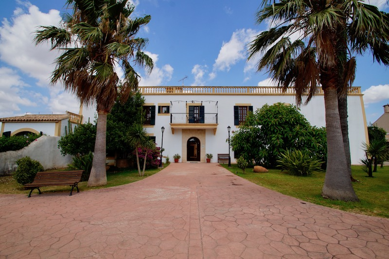 Yoga Urlaub auf Mallorca in der Son Manera Retreat Finca